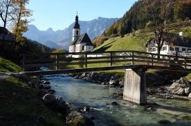 Die Pfarrkirche St. Sebastian13