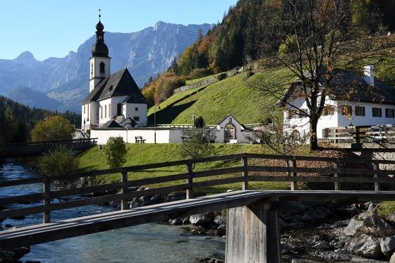 Die Pfarrkirche St. Sebastian14